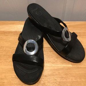 Crocs Black w/Silver metal Open Toe Sandals Sz 9